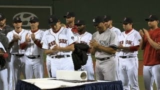 Red Sox honor Mo with pregame ceremony