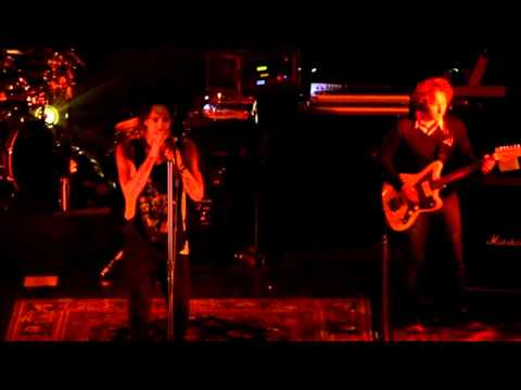 Incubus - Runaway Train (Brandon Boyd Cover Live in Chile 2010)