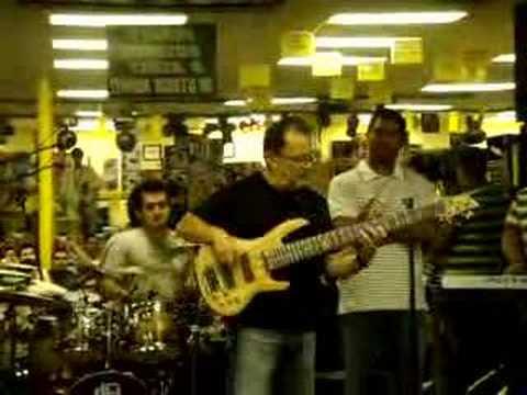 Lalo Carrillo Alternando con la banda de Marcos Witt