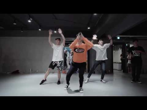 White Noise Exo Mirror By Kasper Choreography