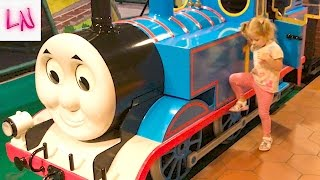 A VLOG THOMAS city For children and kids like in the Movie Thomas and His Friends Entertainment