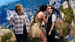Wonder Woman's SNL Sketch Has Gal Gadot Kissing Kate McKinnon