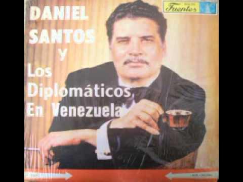 DANIEL SANTOS  CON LOS DIPLOMATICOS QUE EXTRAÑA ES LA VIDA