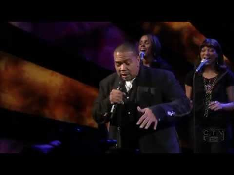 Nelly Furtado feat. Timbaland - Give It To Me HD (Live)