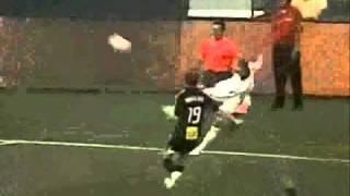 sick landon donovan highlights-crazy soccer skills!!!