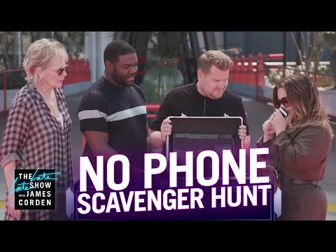 No Phones Scavenger Hunt w/ Melissa McCarthy, Jean Smart & Sam Richardson