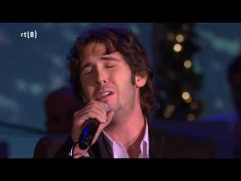 Johnny Mathis & Josh Groban - Christmas time is here, Silent night & The Christmas song