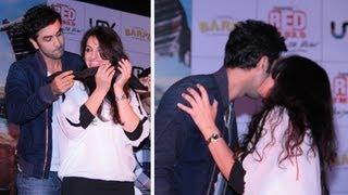 Ranbir Kapoor Flirts With College Girl !