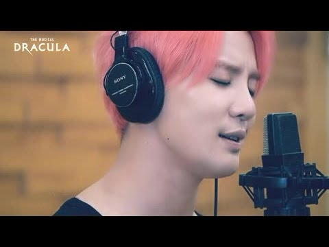 뮤지컬 [드라큘라] 'Loving You Keeps Me Alive' MV