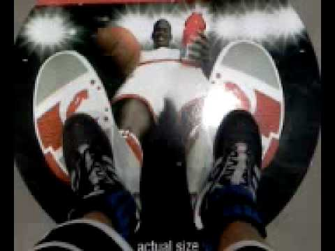 Shaq's Actual Foot Size - YouTube