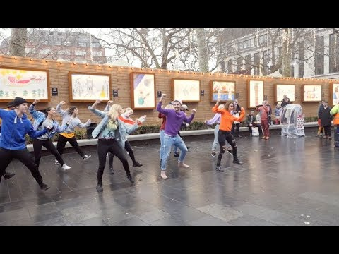 Perfect Proposal Flash Mob in Leicester Square!