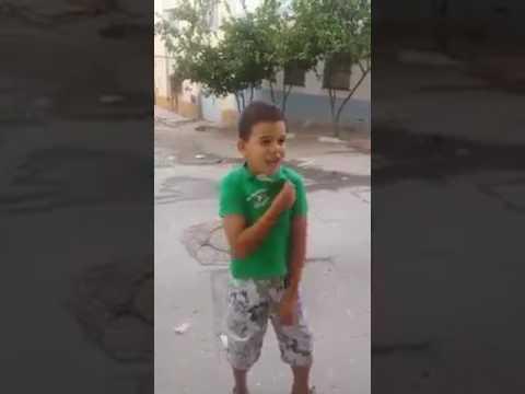 طفل امزورن بعدما وصله استدعاء من الشرطة :راه عندي غير 6 سنين وا نوضوا تروحو