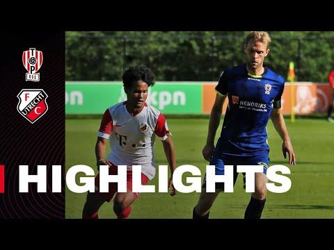 HIGHLIGHTS   Jong FC Utrecht - TOP Oss
