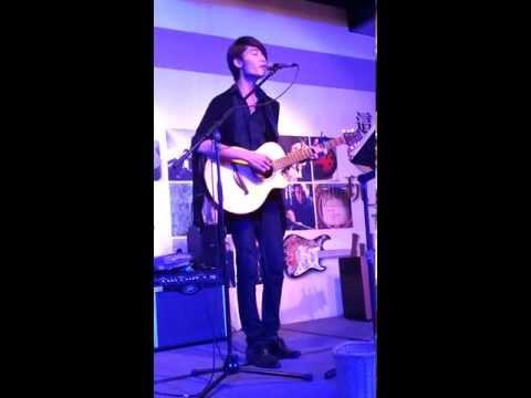 這夏玩吉他 - 游鴻明-戀上一個人 + 一天一萬年 ( 李承宏 - 木吉他自彈自唱 )