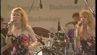 Sergio Mendes - Ultima Batucada / Mas Que Nada (Live at Newport Jazz Fest in Madarao 1989)