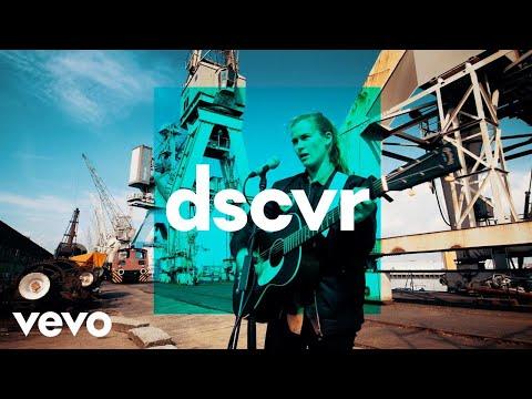 Alex The Astronaut - Not Worth Hiding - Vevo dscvr (Live)