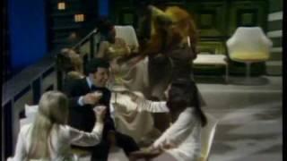 Sergio Mendes & Brasil '66 + Tom Jones - Mas Que Nada