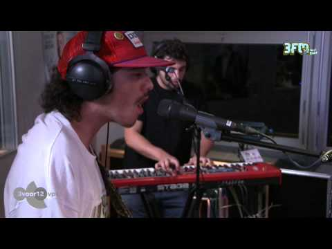 Sticky Fingers - 'Caress Your Soul' live @ 3voor12 Radio