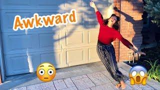 10 AWKWARD THINGS PEOPLE DO!