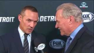 Fun Times with Ken and Mickey: Steve Yzerman and Mickey have a nice chat