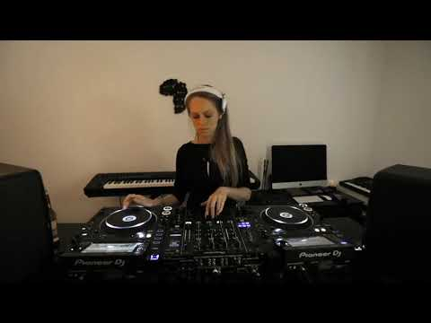 Nora En Pure at home stream