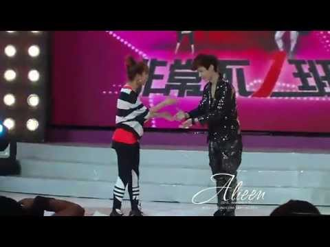 [Fancam] EXO-M Lay's Dance Battle vs Nana 娜娜 - History - 120627