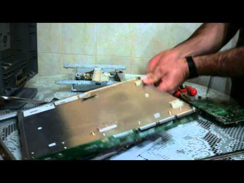 Desmontando un monitor para sacar el modulo de iluminacion