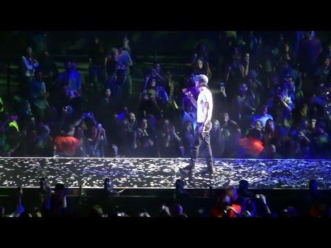 Baixar Enrique Iglesias - Heroe en Barcelona 2014