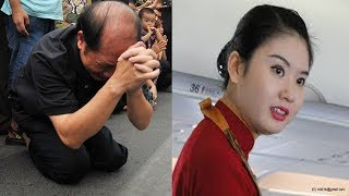Không ngờ 1 cử chỉ nữ tiếp viên hàng không làm ông cụ phải quỳ lạy khiến ai cũng lặng người