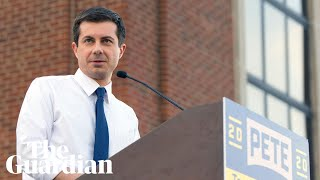 2020 candidate Pete Buttigieg responds to anti-gay heckler at Iowa rally