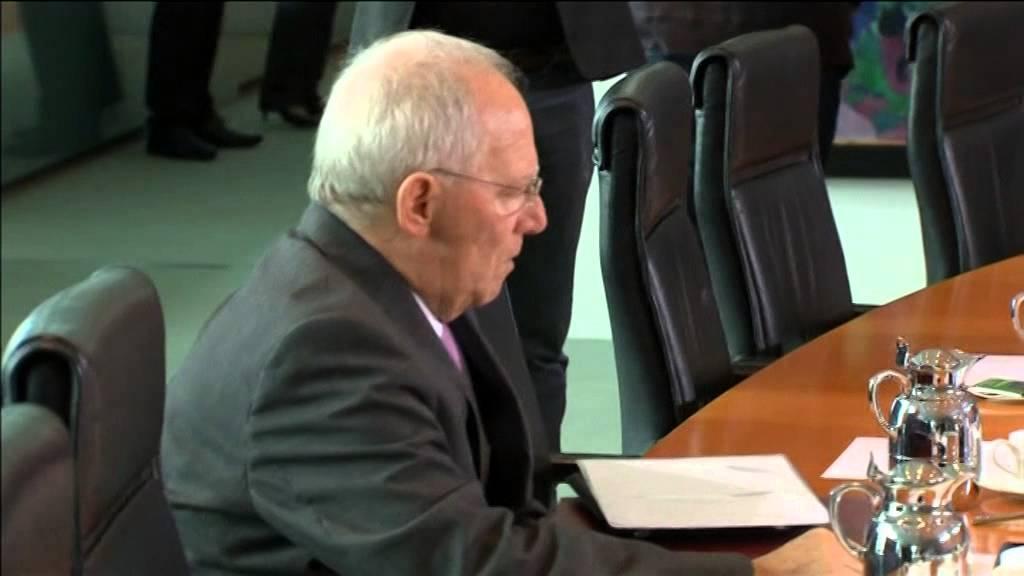 AB Yunanistan'ı onayladı Schäuble temkinli