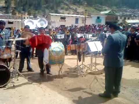BANDA SHOW FILARMONICA LLIPA (  EL CONDOR PASA)