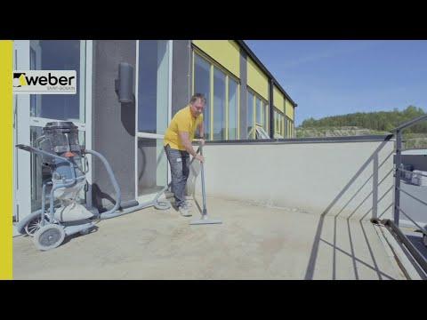 Förberedelser inför avjämning och plattsättning på balkong