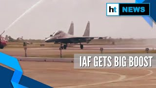 Watch: SU-30MKI fighter aircraft given water salute at the..