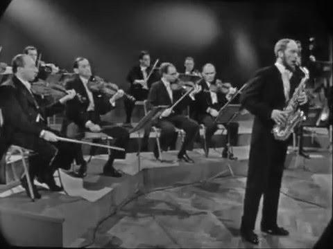 Sigurd Rascher - Dutch Television performance 1960's - Larsson excerpt
