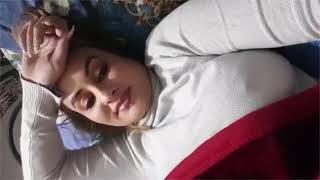 Afreen Khan Talking To Friends So Hot Live Video Nipple Showing