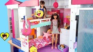 Gemelas Barbie Rutina de Mañana - Haciendo sus Loncheras!