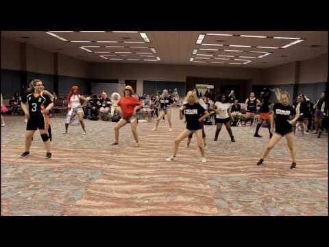 [HARU @ AnimeNext 2017] K-Pop Random Play Dance Challenge + Teaching Signal by Twice