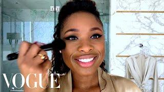 "Jennifer Hudson's Perfect Cat Eye ""Swoop"" | Beauty Secrets | Vogue"