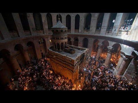Kudüs'te Ortodoks Hristiyanların kısıtlamasız Kutsal Ateş ayini