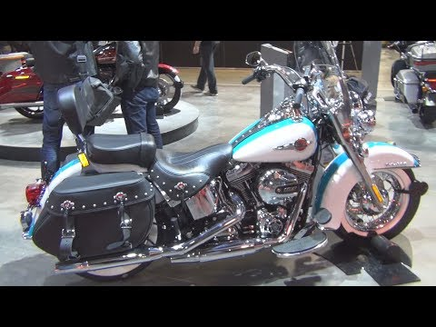 @HarleyDavidson #Heritage Softail Classic FLSTC (2017) Exterior and Interior in 3D
