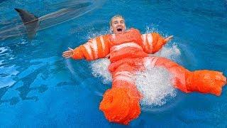 LAST to SINK WINS $10,000!! (DIY Inflatable Float Challenge)