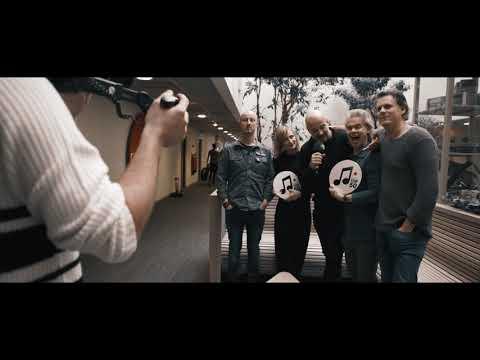 We deden samen met Geikeeen promodag in België! 's ochtends waren we te gast bij Radio 1 en 's avonds bij Van Gils & Gasten. Video: Setvexy