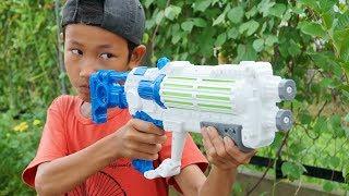 Đồ Chơi Bắn Súng Nerf Cuộc Chiến Súng Nước Và Đèn Trung Thu: NERF GUN WATER BATTLE SHOT