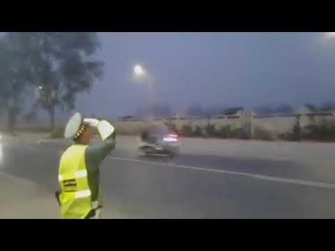 لحظة وصول الملك محمد السادس إلى أرض الوطن