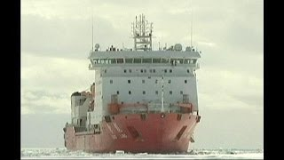 Antarctica rescue ships freed from ice trap