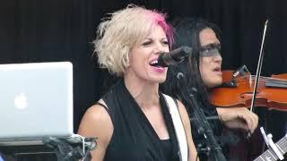 Skillet - Rebirthing (In The Rain) - Live HD (Uproar Festival 2014)