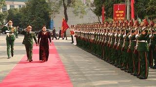 Chủ tịch Quốc hội Nguyễn Thị Kim Ngân thăm và làm việc với Bộ Tư lệnh Thủ đô Hà Nội