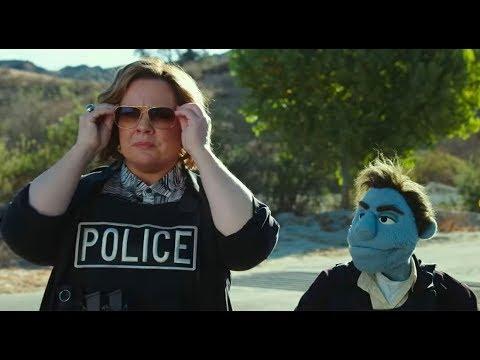 """¿Quién está matando a los moñecos"""" - Trailer español (HD)"""
