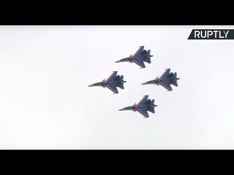 Air stunts at International Army expo outside Moscow